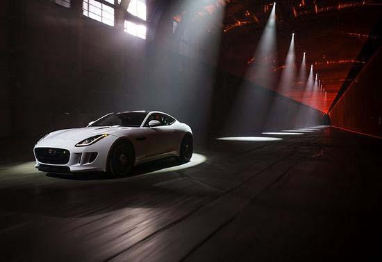 2014-Jaguar-F-Type-R-Coupe