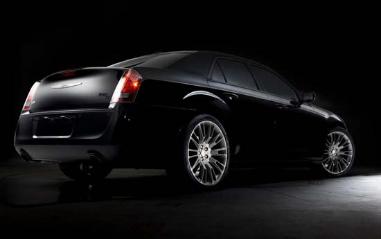 2014-chrysler-300c-john-varvatos-02