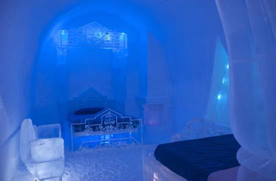 Frozen-Suite-Hotel-De-Glace-02