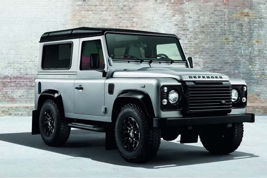 land-rover-defender-black-silver-pack-01