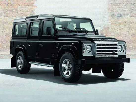 land-rover-defender-black-silver-pack-06
