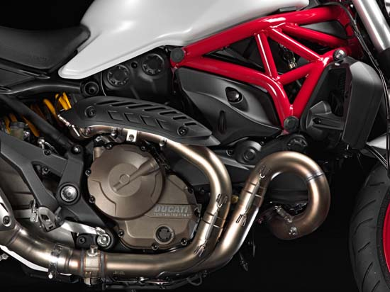 2015-Ducati-Monster-821-engine