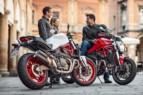 2015-Ducati-Monster-821-white-red