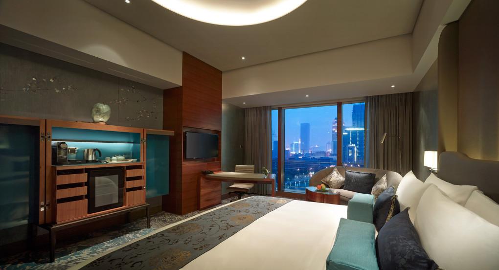 Shangri-La-Tianjin-Deluxe-River-View-Room