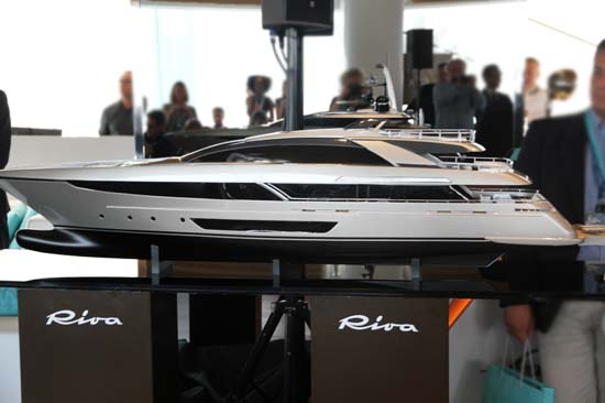 riva steel superyacht03