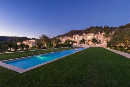 Palazzo-di-Amore-swimming-pool