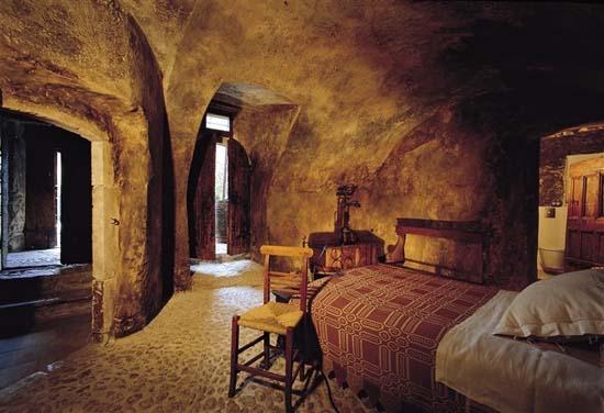 Sextantio-Albergo-Diffuso-hotel-05