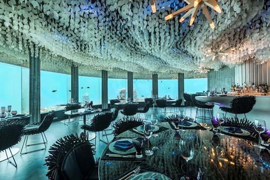 subsix-first-underwater-nightclub-03