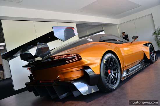 Aston-Martin-Vulcan-Orange-Nurburgring-003
