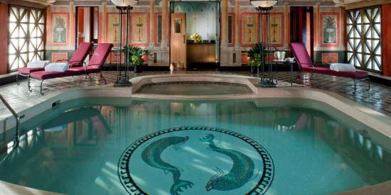 Principe-di-Savoia-Milan-Presidential-Suite-pool