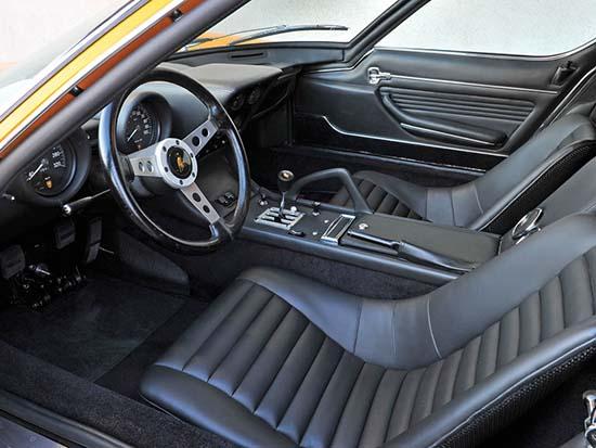 1972-Lamborghini-Miura-P400-SV-interior