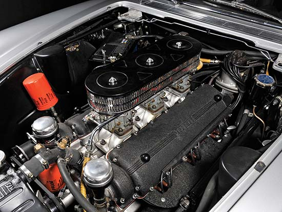 1962-Ferrari-400-Superamerica-engine