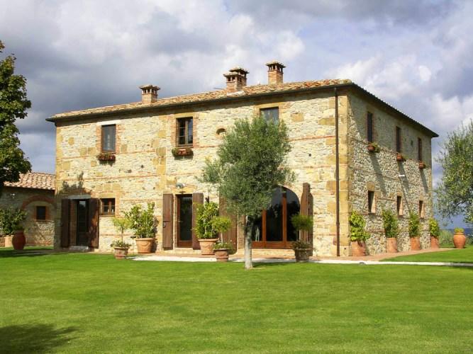 Villa Dionora An Elegant Countryside Villa In Tuscany