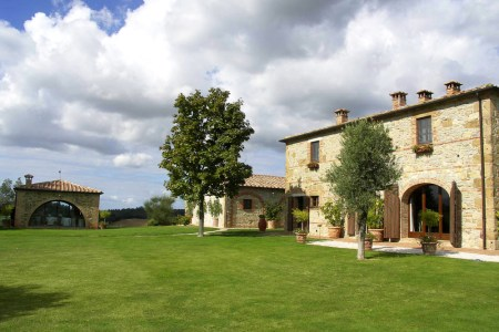 Villa Dionora An Elegant Countryside Villa In Tuscany