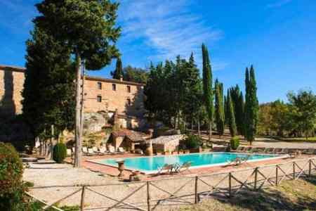 Farmhouse With Swimming Pool In Asciano