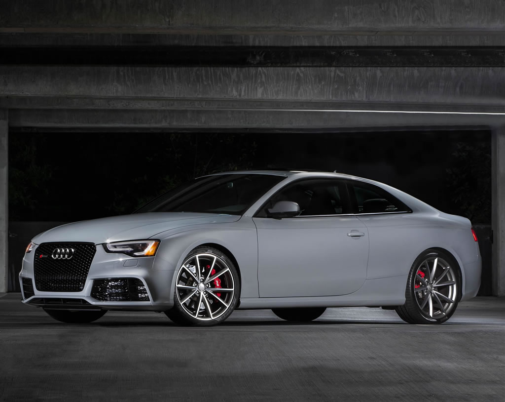 Hd Wallpaper 2 Luxury Cars 2015 Audi Rs5 Coupe Sport Limited Edition Unveiled