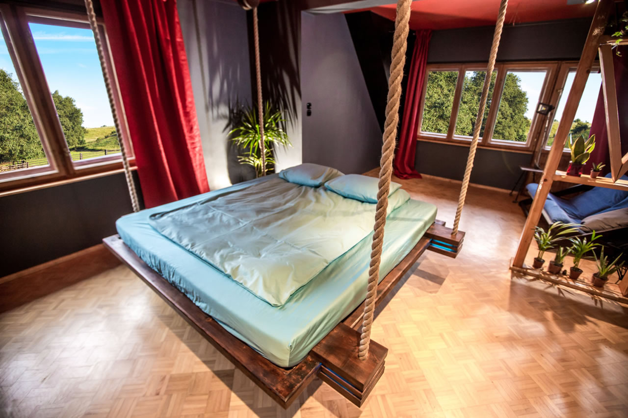 Designer Wiktor Jawiecs Hanging Bed hovers 18 inches off