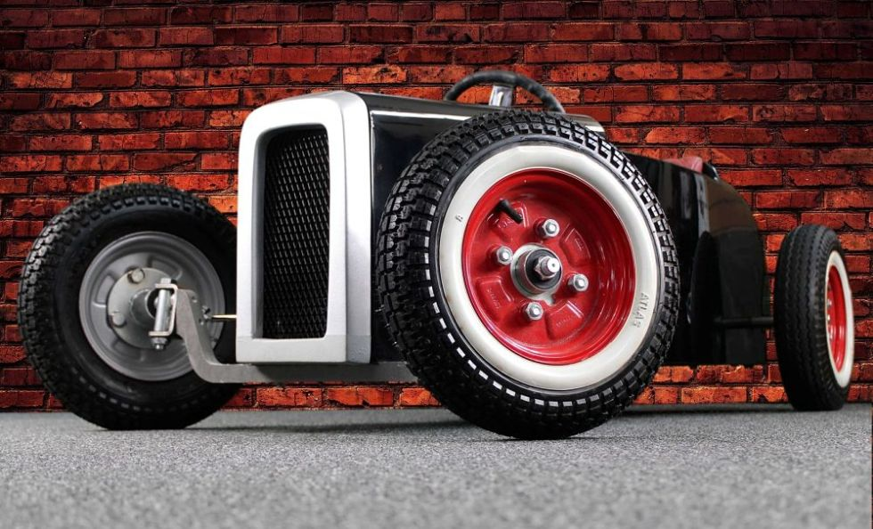 If You Are Looking For The Perfect Model Car For Christmas That You Can Drive, Then Here It Is!