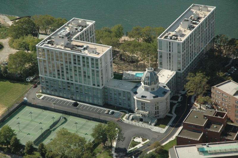 Cell High Roosevelt Island Luxury Rental The Octagon
