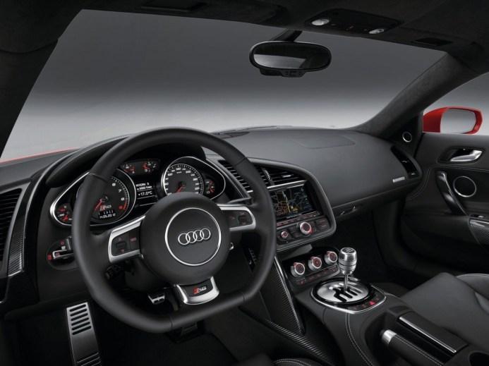 Audi-R8-Spyder-Interior