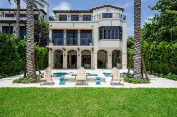 exteriorback-luxury-villa-rental-miami