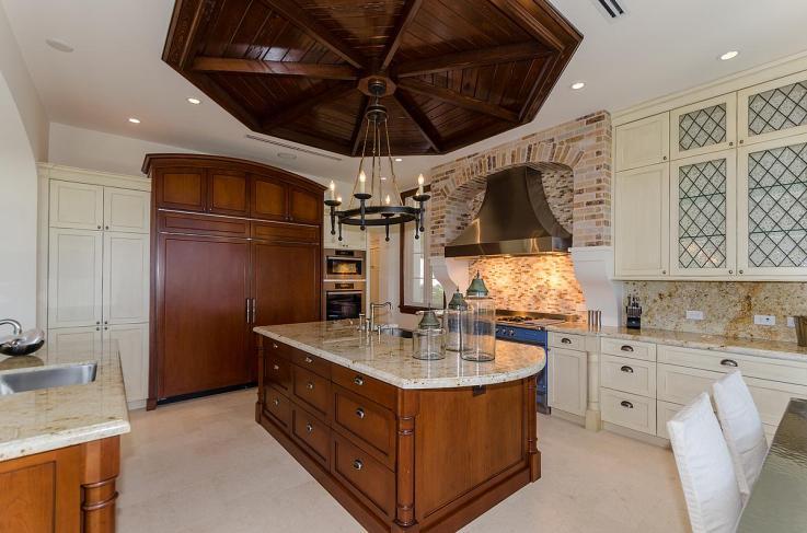 kitchen-luxury-villa-rental-miami