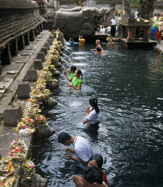 holy-spring-water-temple-the-traveller-s-guide-by-ljojlo_orig