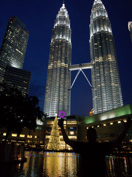 petronas-towers-experiences-in-kuala-lumpur-the-traveller-s-guide-by-ljojlo