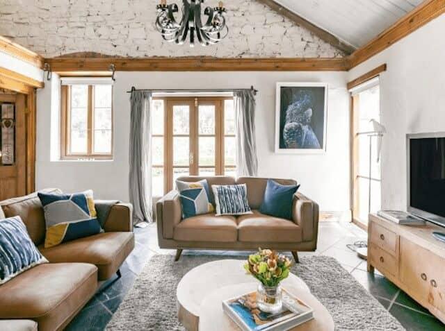 Lounge Room - Adelaide Hills Accommodation - Luxury Travel Hacks