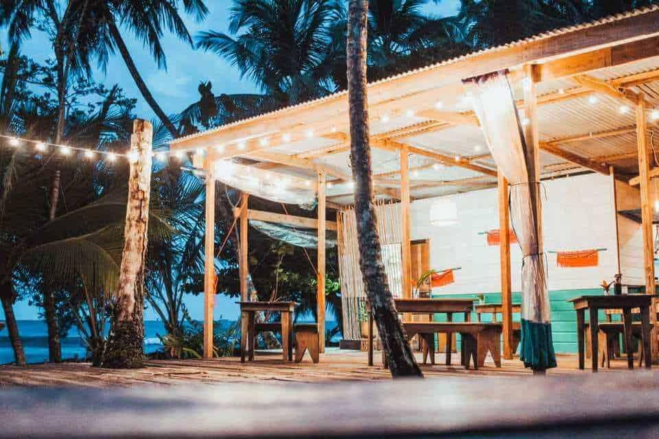 The Firefly Hotel - Couples Retreat Near Me - Panama