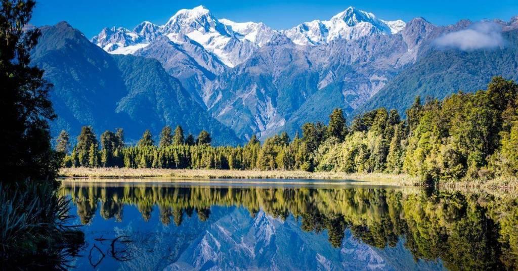 Mountain & Lake - Work Abroad In New Zealand - Luxury Travel Hacks
