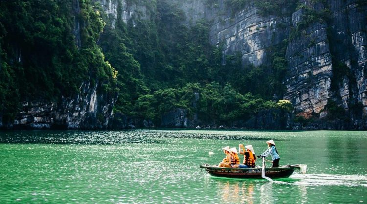 Bai Tu Long Bay - Halong Bay Tour