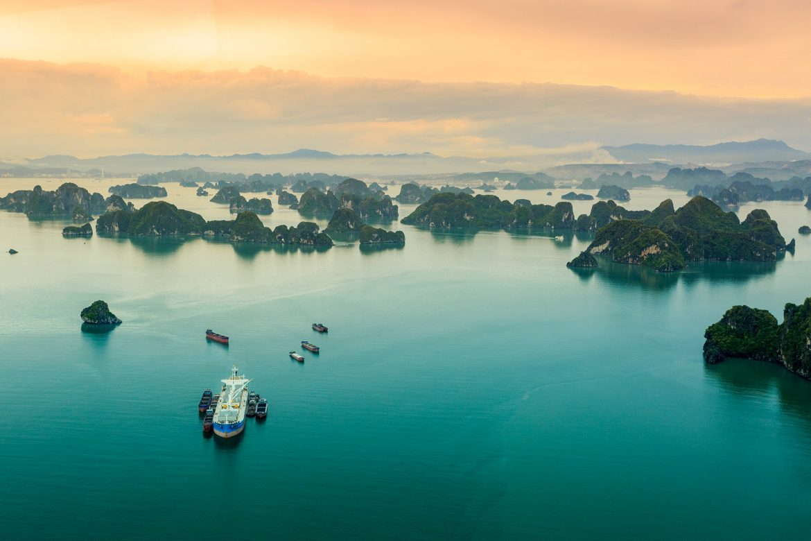 Best Islands and Places for your Halong Bay Tour