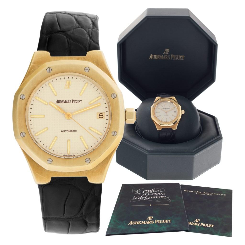 Audemars Piguet Royal Oak 14800BA.0.0239 .01 18k White dial 36mm Automatic watch