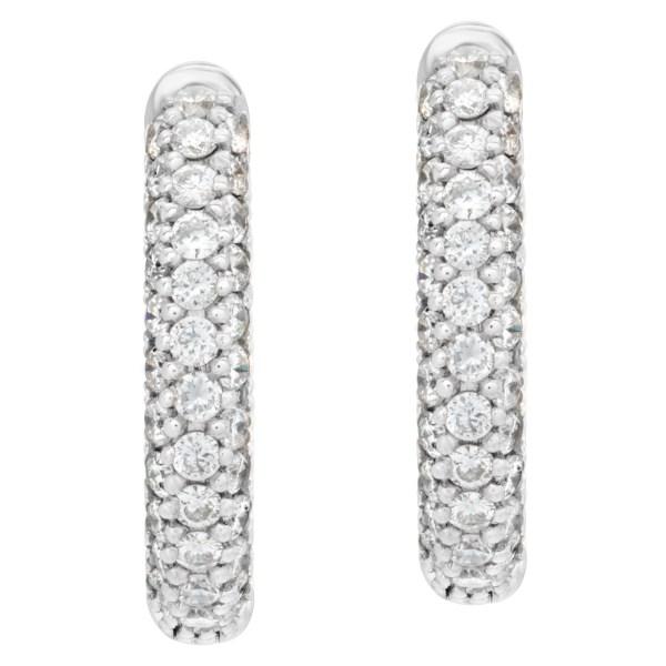 Diamond huggies earrings in 18k white gold