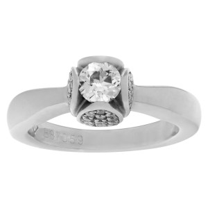 Piaget Tulip ring in 18k white gold. 0.85 carats in diamonds. Size 4.75