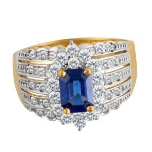 LeVian sapphire & diamond ring in 18k yellow gold. 2cts in tanzanite, 1ct in diamonds.
