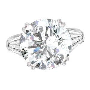 GIA CERTIFIED 7.53 CTS ROUND Q-R COLOR VS-1 CLARITY SET IN A 18K WHITE GOLD SETTING
