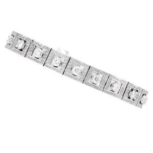 Geometric diamond link bracelet in 14k white gold. 2 carats in white clean diamonds