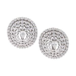 Diamond earrings in 18K white gold. 2.79 carats in white clean diamonds