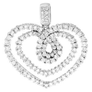 Diamond heart pendant in 18k white gold