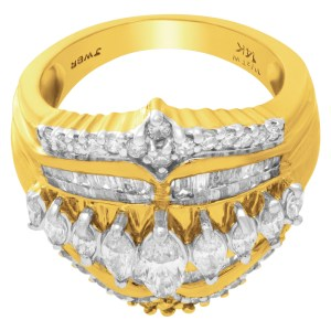 Diamond ring in 14k yellow gold with 1.50 cts in diamonds. Size 6