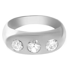 Triple-diamond ring in 18k white gold. 1.00 carats in diamonds. Size 8