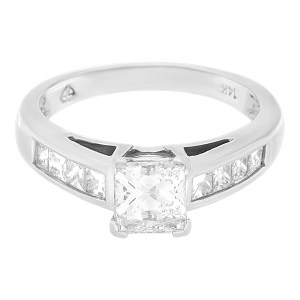 GIA certified rectangular modified brilliant cut diamond 1.01cts (F, SI1) ring
