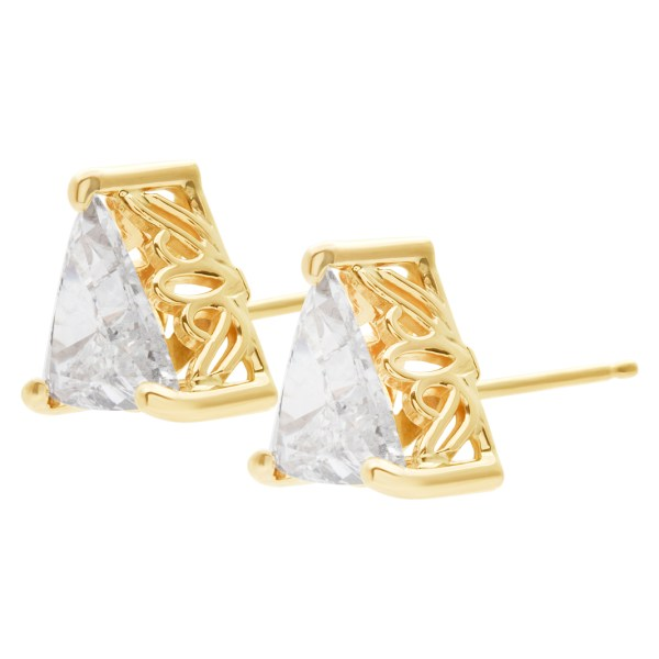 GIA certified triangular cut diamond studs1.51 cts (I color, I1 clarity) &1.59 cts (G color, SI2 clarity)