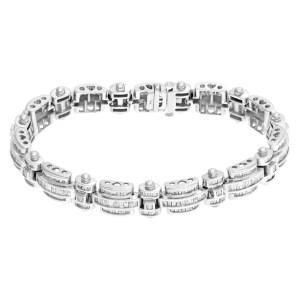 Diamond link bracelet in 14k white gold. Approximately 8.0 carats in diamonds.