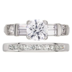 GIA certified round brilliant cut diamond 0.78 carat (D color, SI1 clarity) ring