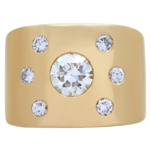 Diamond ring in 14k gold, center 1.0 carat, total 1.42 carats.