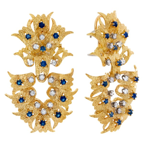 Lovely motion flames earrings in 18k