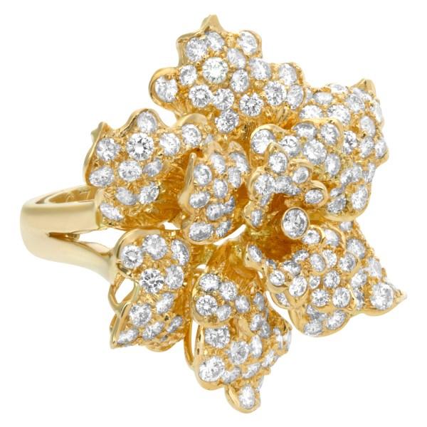 Twinkle twinkle little diamond star in 18k yellow gold
